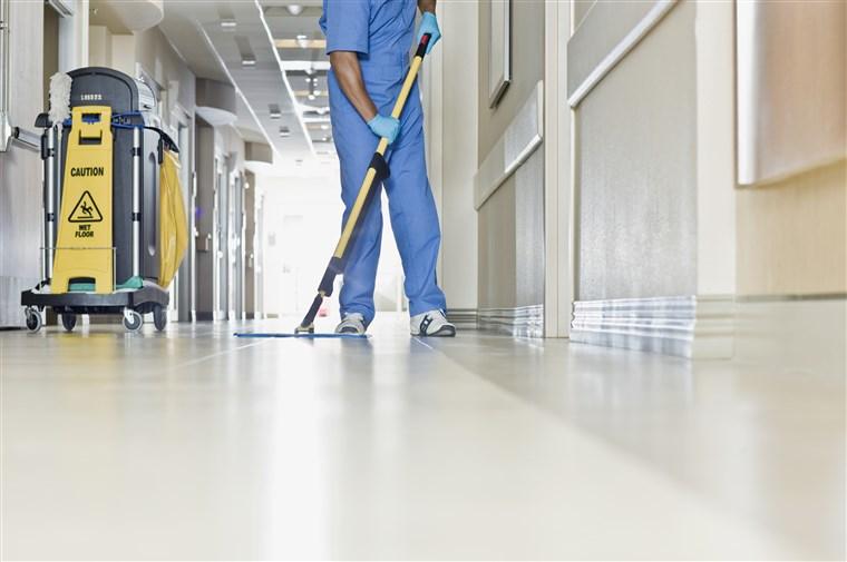 أدوات نظافة المستشفيات